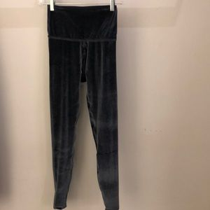 Beyond Yoga gray velvet legging, sz xs, 64769